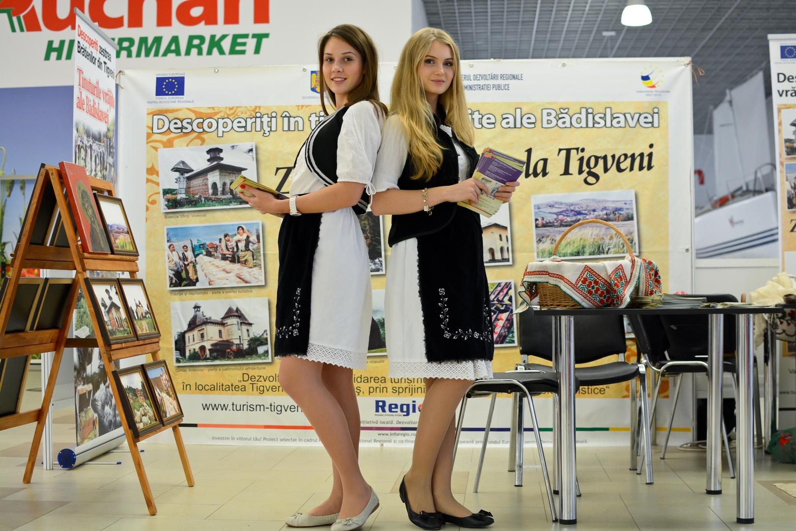Hostess+Constanta+-+promovare+turistica+(3).JPG