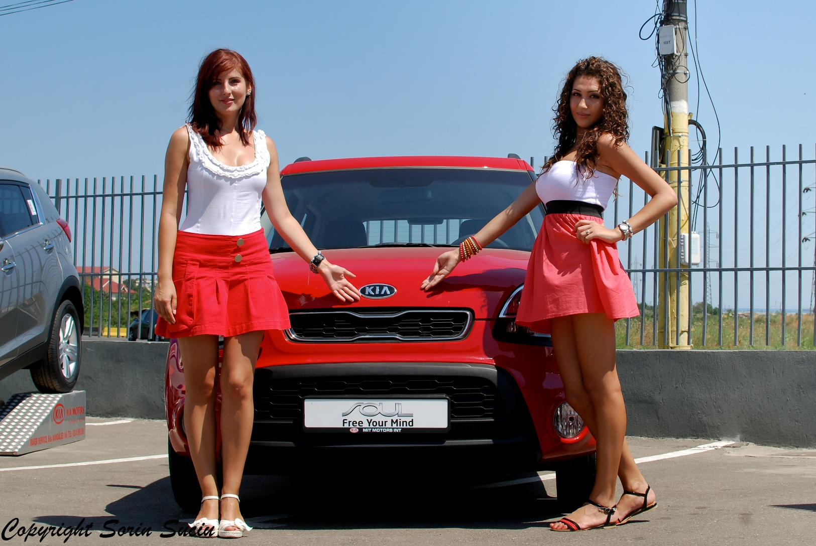 Hostess+Evenimente+-Showroom+Kia+2012+(2).JPG