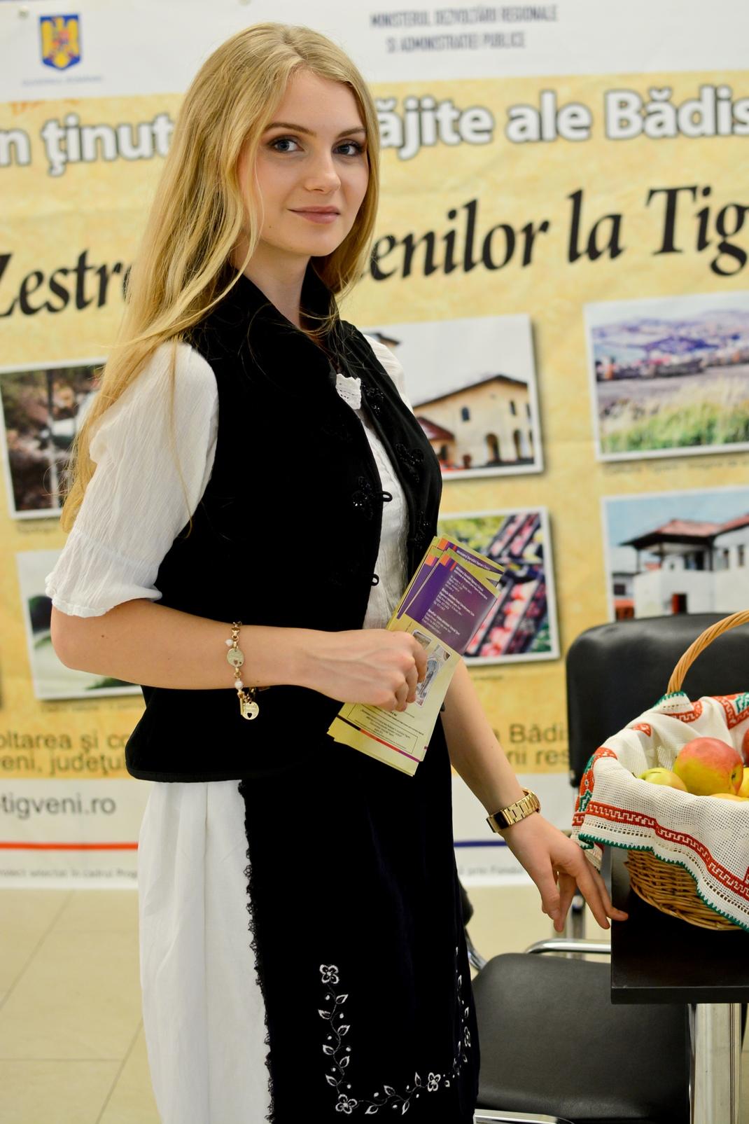 Hostess+Constanta+-+promovare+turistica+(4).JPG