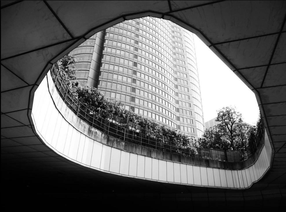 asia-architecture-hole-anca-rafan.jpg
