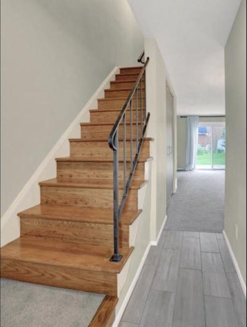 Stairs photo 3