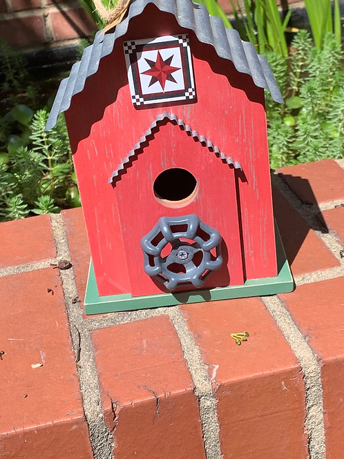 Barn Quilt birdhouse