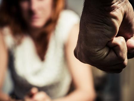 Violência doméstica: Entre o medo de morrer e a coragem de denunciar