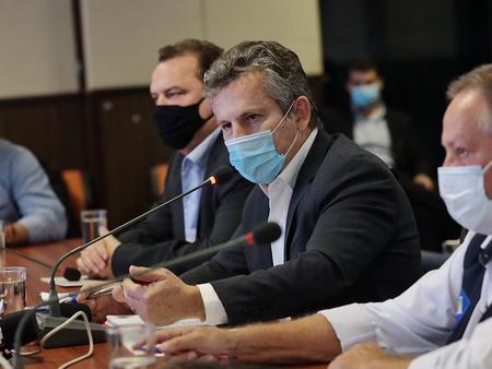 Governo anuncia na terça-feira (23) novas medidas para conter a Covid-19