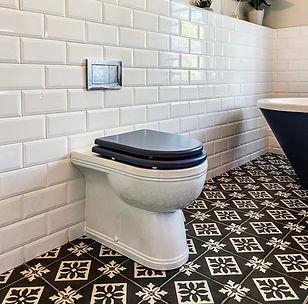 traditional bathroom design installation