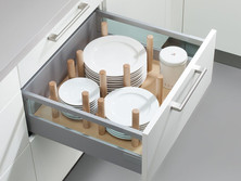 Pull-out with wooden plate holder