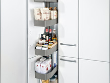 Tiered pull-out larder unit