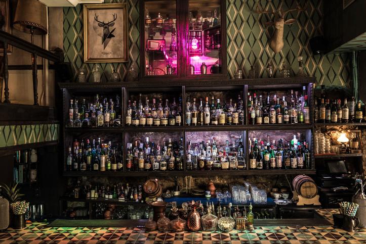Collage bar