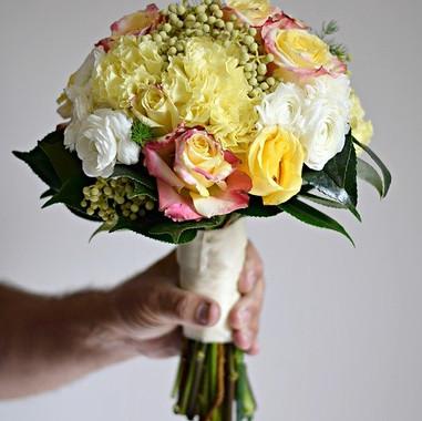 bouquet-1915256_640.jpg