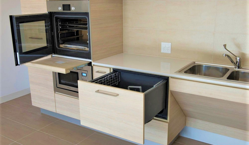 G02 kitchen with oven  and dishwasher fe