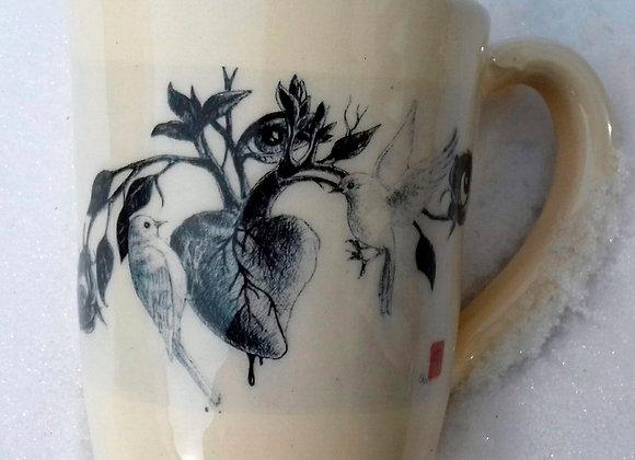 Mug oiseau sur la branche et coeur
