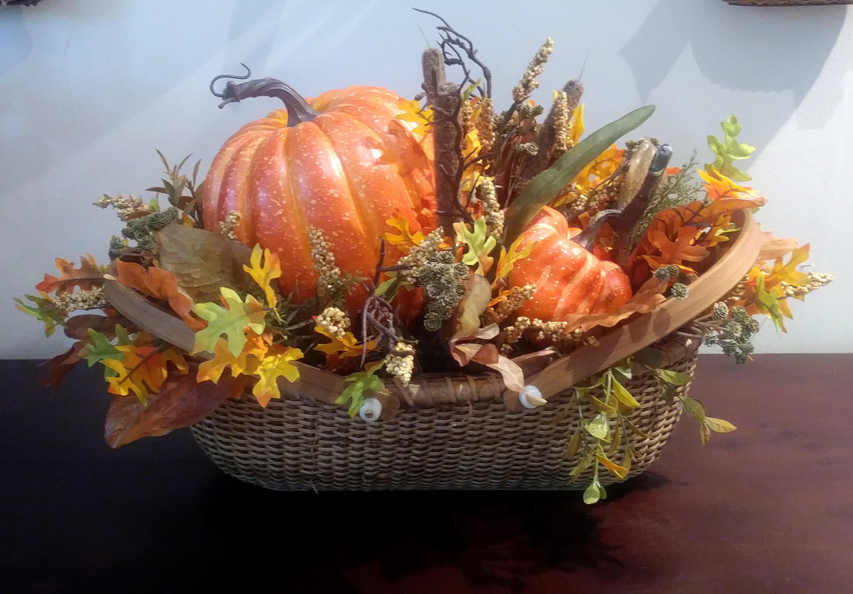 2-1068 Nantucket Basket-pumpkins