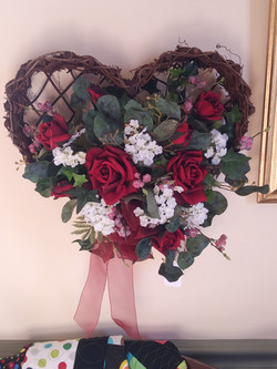 Wall heart basket - red