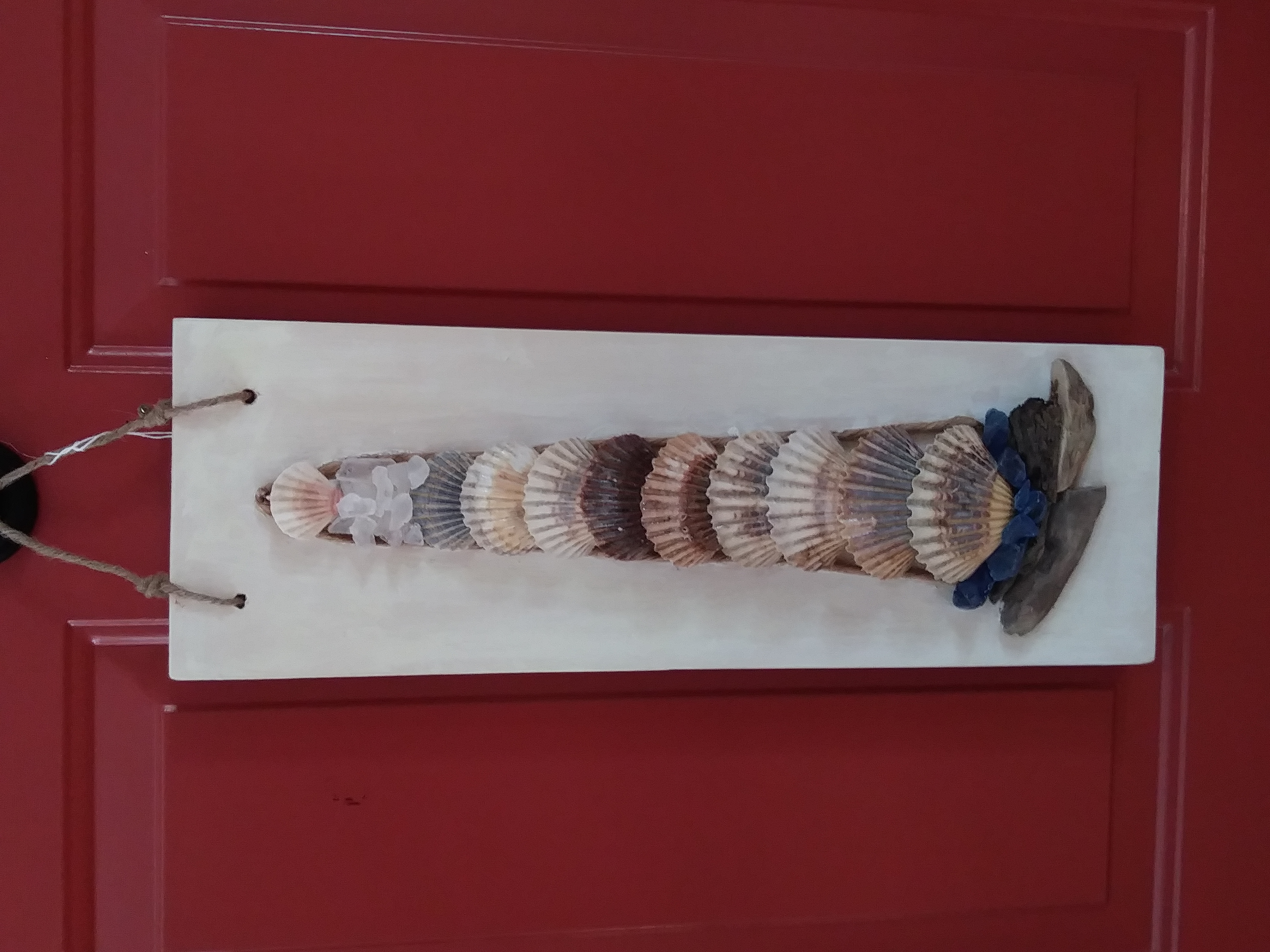 Scallop lighthouse hanging