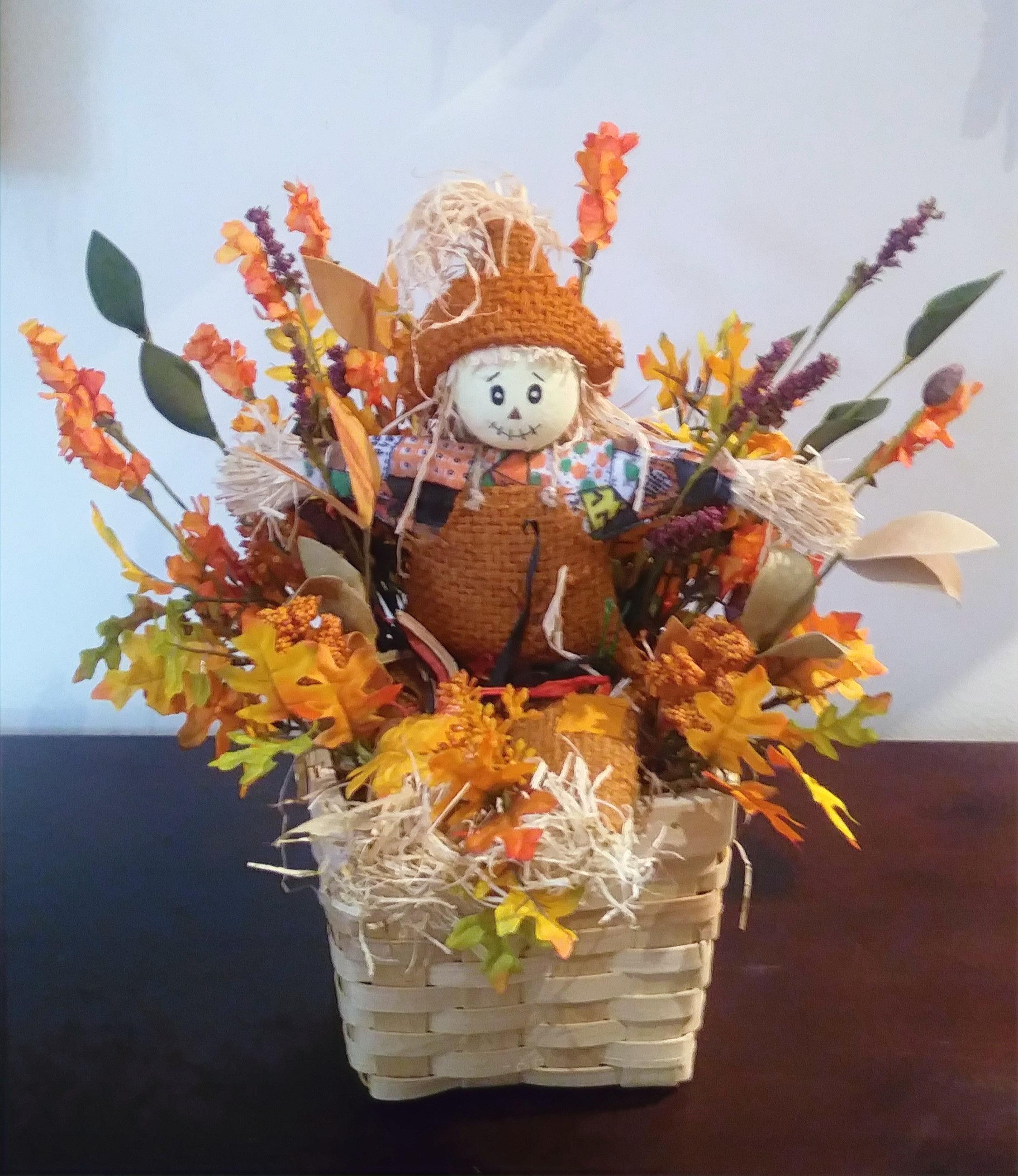 2-1070 Scarecrow Basket