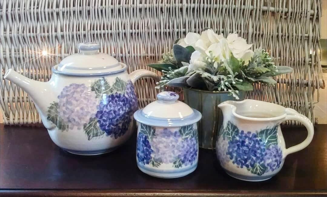 Hydrangea Pottery