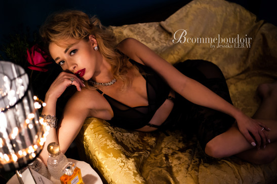 shooting boudoir- sensuality- studio- GENEVE- jessika LERAY- woman photographer