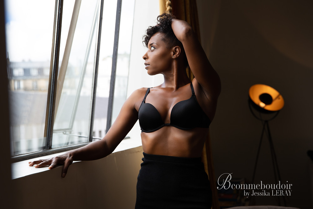 shooting photo boudoir et portrait dans un appartement parisien