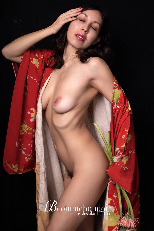 Photographie de nu en kimono