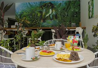 Breakfast-and-Mural.jpg