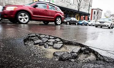 Pothole : Chickenpox on roads- Issues around the World. Is it Common?