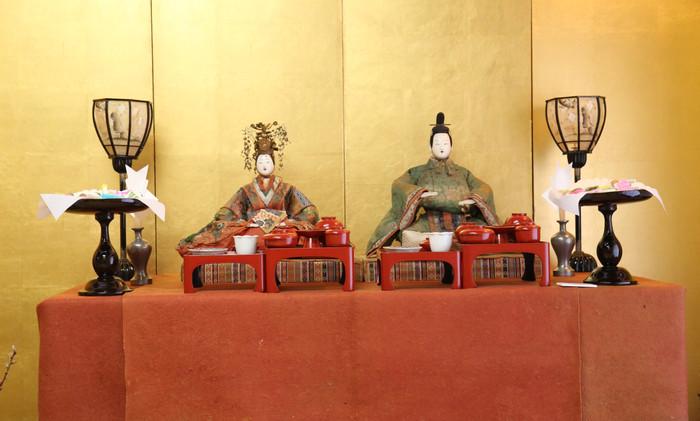 Hina Dolls with Hinagashi
