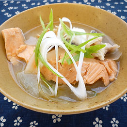 Sake dongara jiru  (Salmon bone soup)