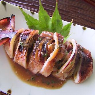 Natsu ika no monpeyaki (Grilled stuffed squid)