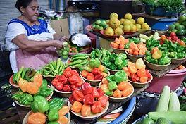 08_mid2_yucatecan_pepper_female_seller.j