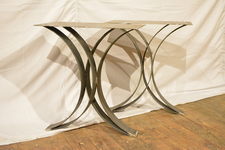 Double Curved Steel Legs