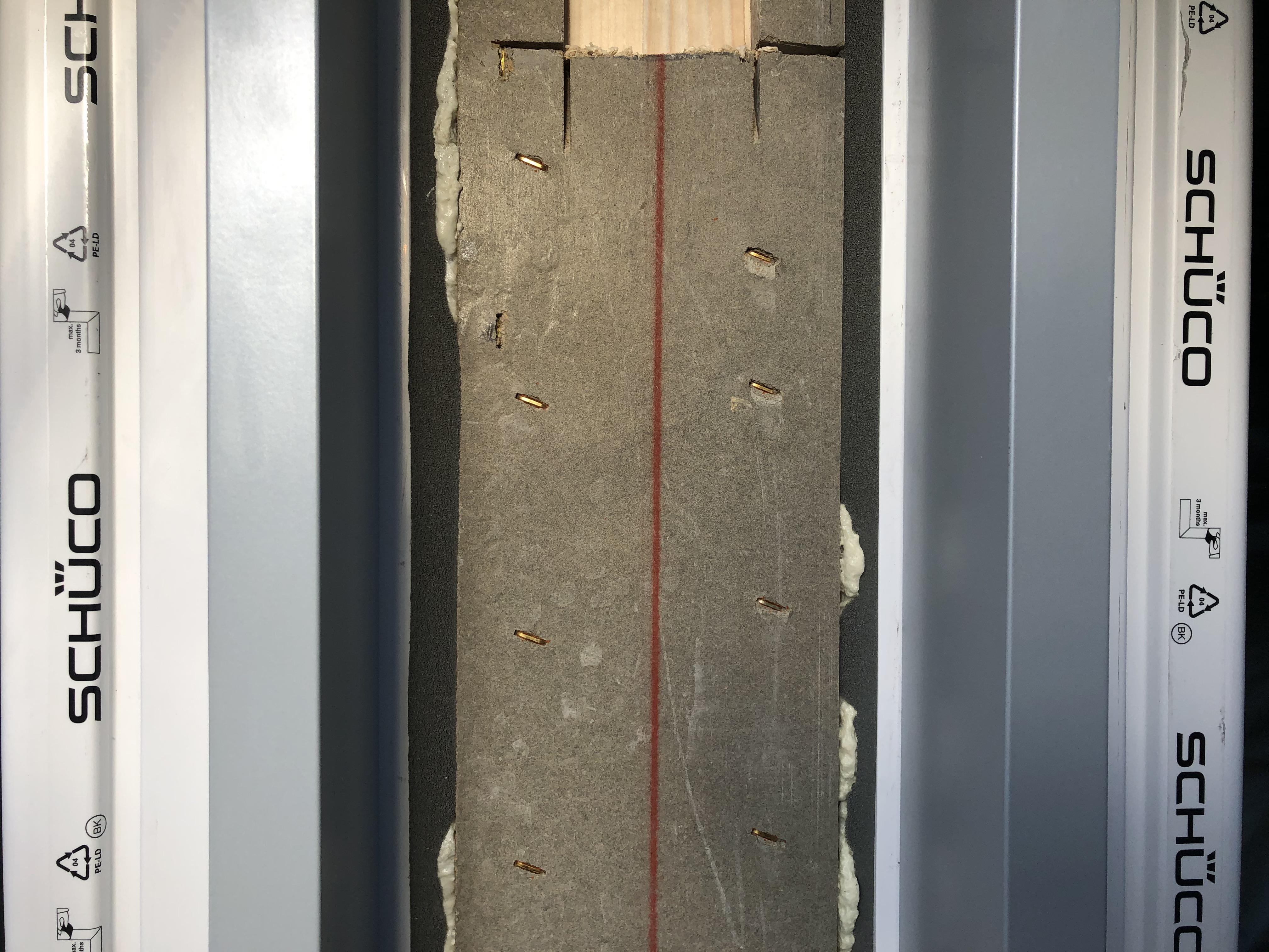 Dettaglio chiusura ermetica tra serramen