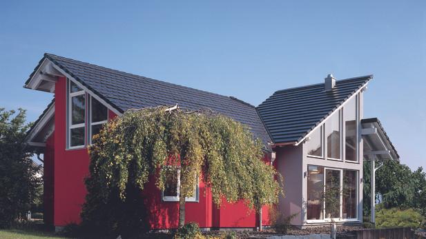 Villa in bioedilizia con ampie vetrate