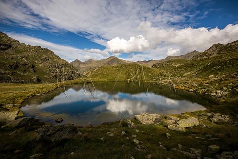 Randonnée dans les Pyrénées à l'étang de Roumazet
