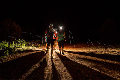 Coureurs dans la nuit lors du trail des étoiles filantes