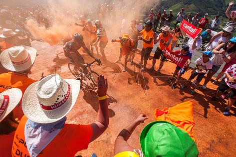 Greg Van Avermaet s'envole vers la victoire d'étape dans le col du Perthus lors du Tour de France