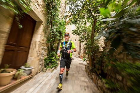 Coureur en action lors du Trail du Lirou - challenge du Pic St Loup