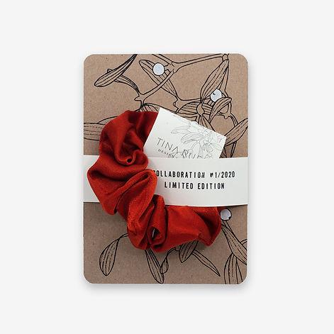 atelier8048-postkarte-mistelzweig-scrunchie-rot.jpg