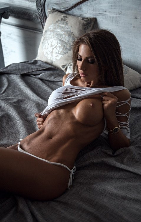 hot-fit-babe-nude-gif-only-melanie-pussy-pics