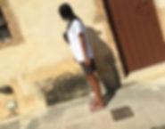 GOAT TEE LEFKO weiß backprint druck t-shirt tshirt handgemacht limitiert frau schwarze haare griechenland greta bullet bag pants profil