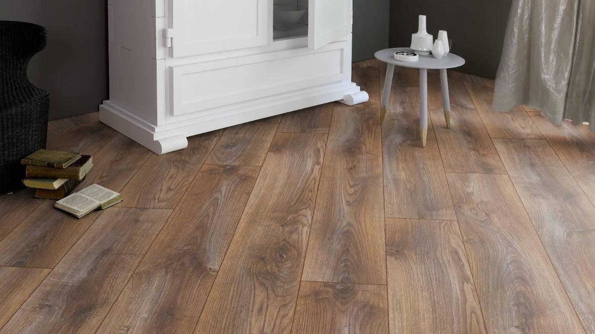 piso-laminado-tekno-step-7mm-biselado-shades-colocado-D_NQ_NP_700863-MLM26893430923_022018-F.jpg