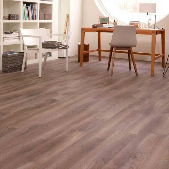 kaindl_8mm_natural_touch_chicago_oak_laminate_flooring_-_37268.jpg