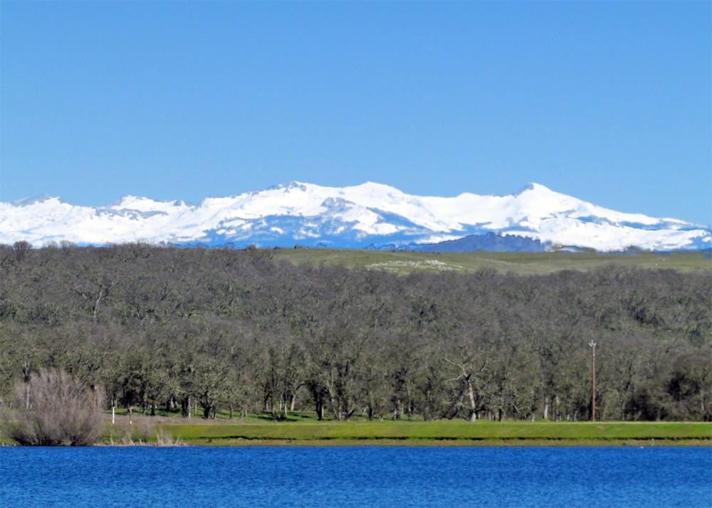 Snow is back in the Sierras!