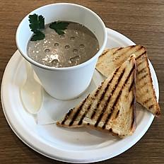 Грибной крем суп с тостами гриль