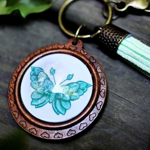 Leaf Moth - Keychain