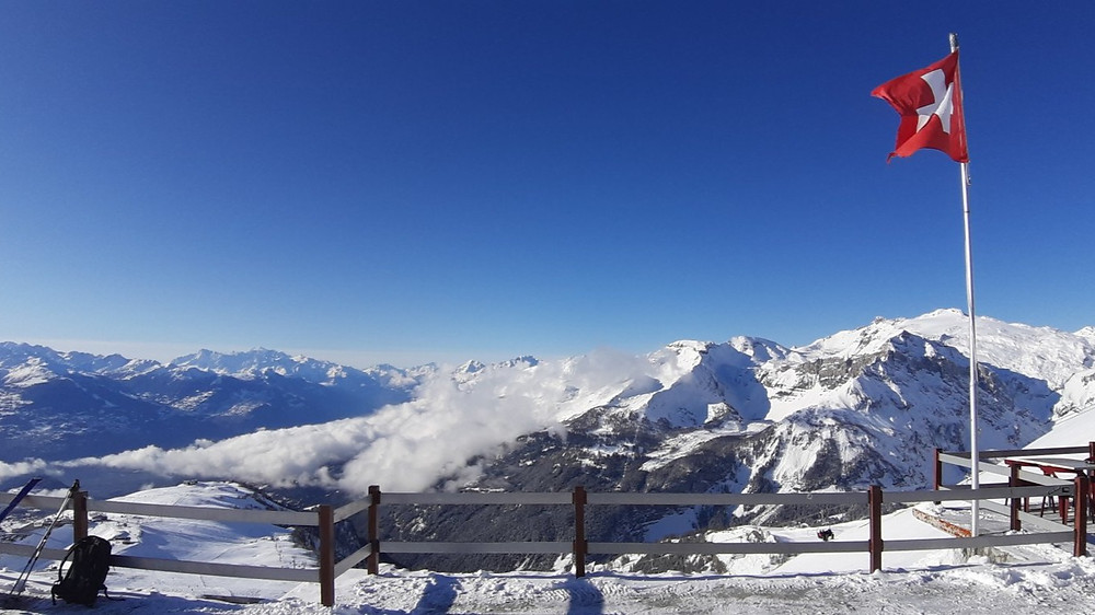 Crans Montana ski resort | snowboarding in Switzerland