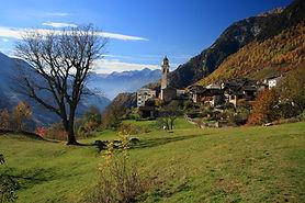 Unberührte authentische Landschaft Faszinierende Kultur Steile Granitberge
