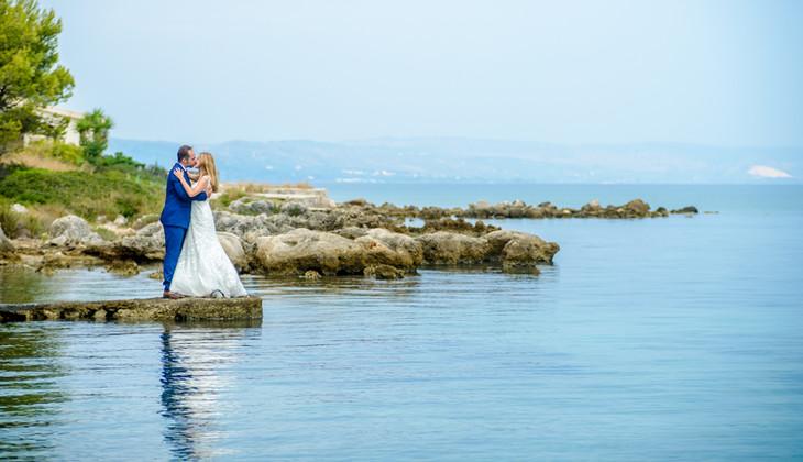 Beuatiful Wedding Couple posing   Sea and Sky