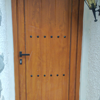 Puerta de entrada rustica.jpg