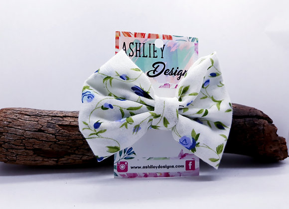 White/Purple Flower Bow