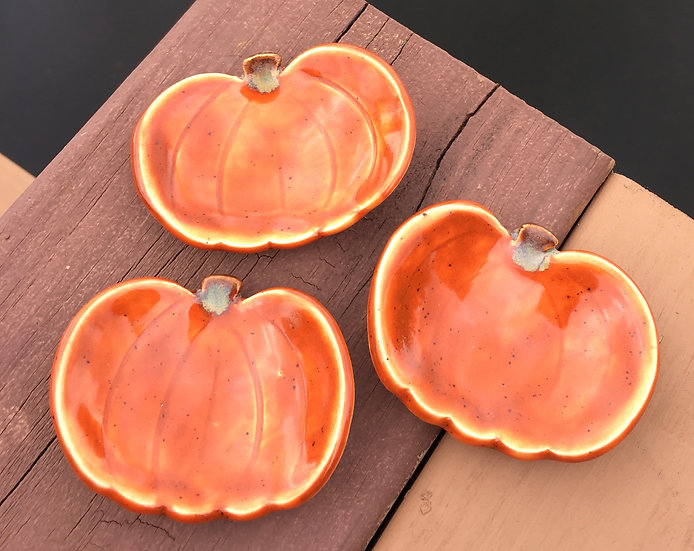 Little Pumpkin Dishes